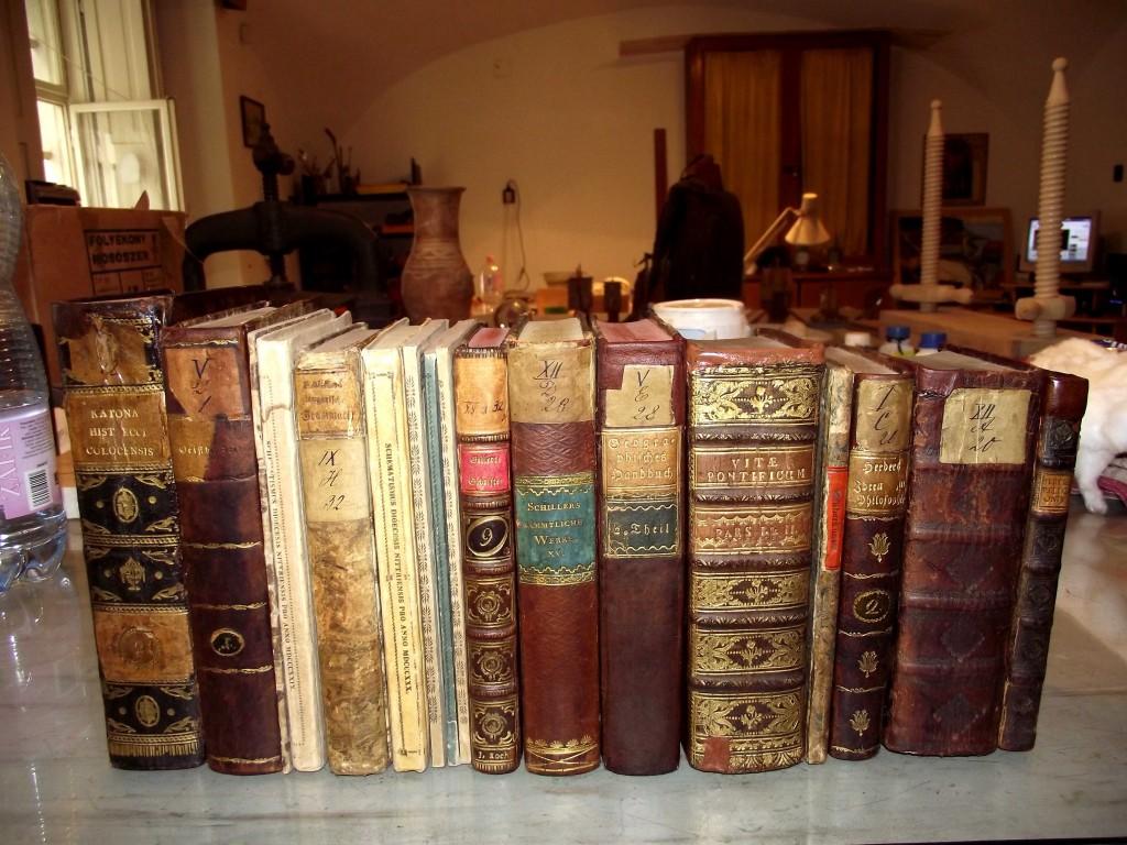 Könyvek restaurálás után